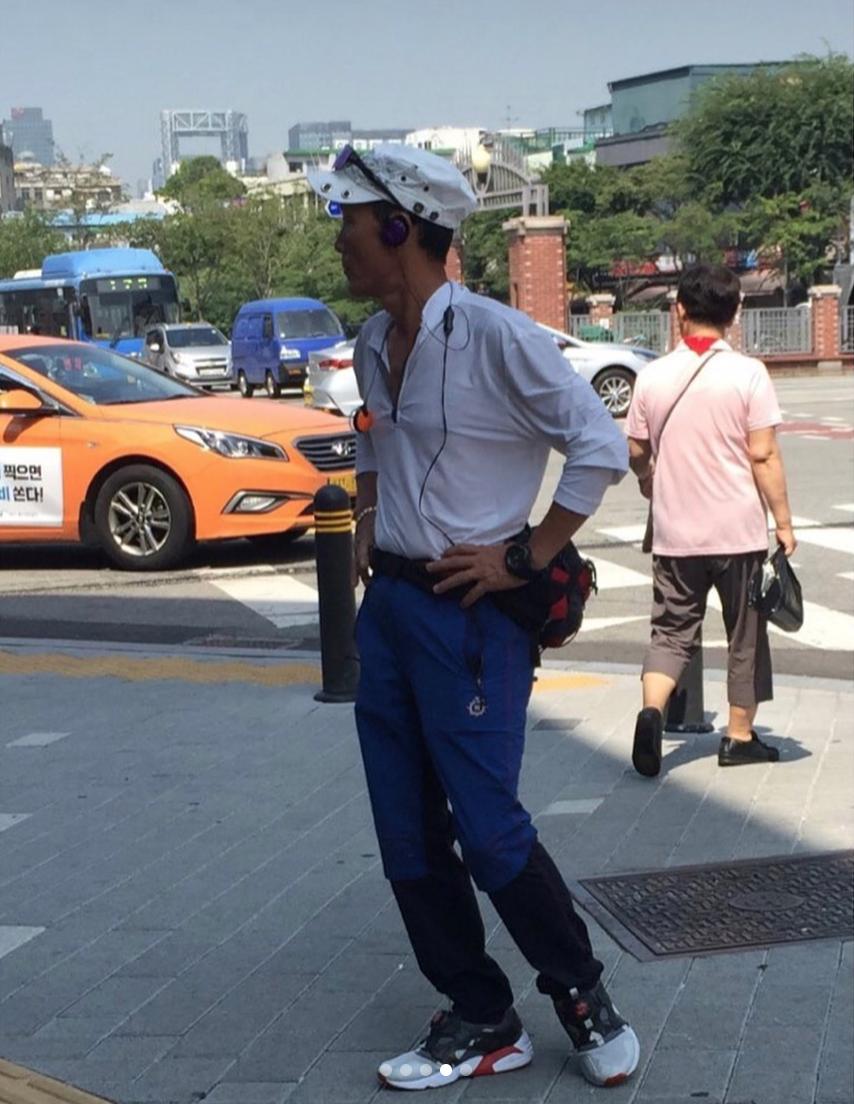 Bạn có biết về Dongmyo, khu chợ đồ Si ngay giữa lòng Seoul mà ngay cả G-Dragon cũng đến để săn đồ? - Ảnh 7.