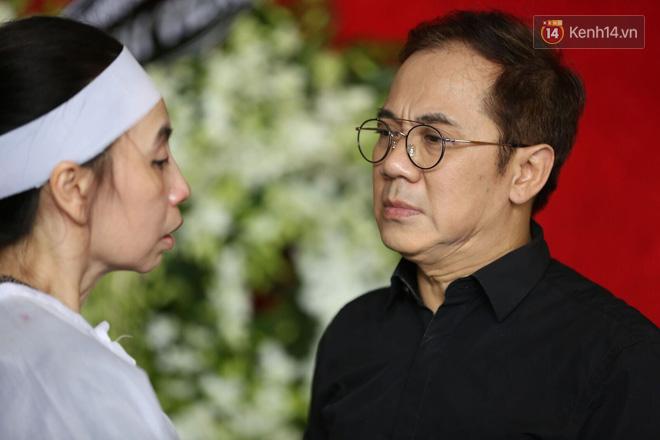 Thành Lộc lặng người bên linh cữu, chia sẻ chuyện xúc động về cố NSƯT Thanh Hoàng - Ảnh 2.