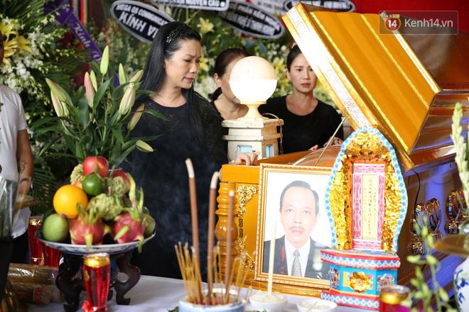Thành Lộc lặng người bên linh cữu, chia sẻ chuyện xúc động về cố NSƯT Thanh Hoàng - Ảnh 5.