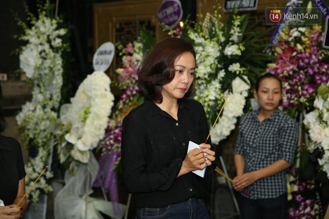 Thành Lộc lặng người bên linh cữu, chia sẻ chuyện xúc động về cố NSƯT Thanh Hoàng - Ảnh 12.