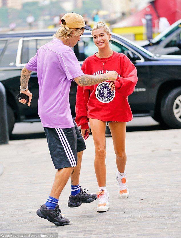 Đính hôn với Hailey, nhan sắc Justin Bieber thay đổi hẳn: Da láng, sạch râu và lúc nào cũng tươi tắn hạnh phúc - Ảnh 5.