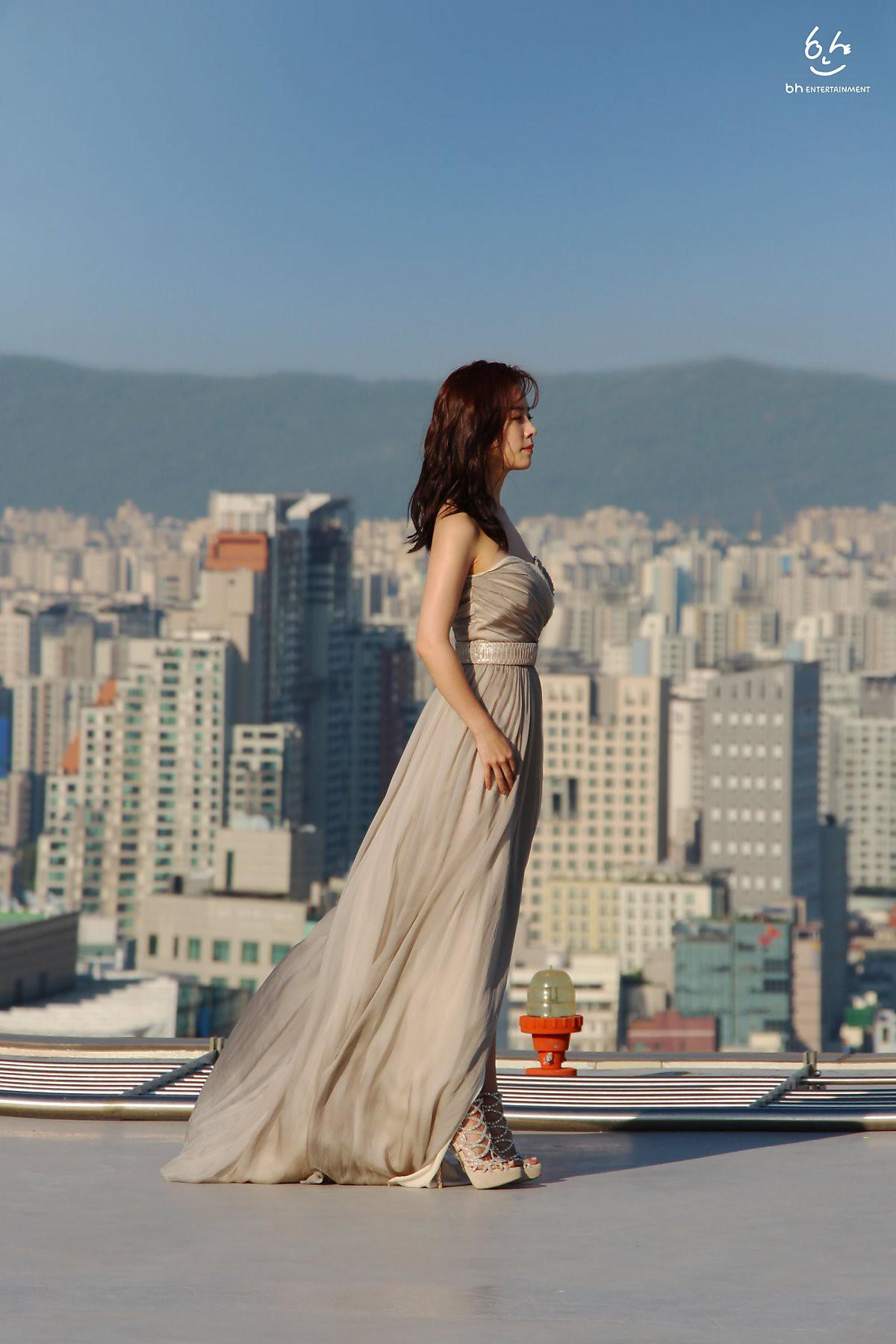 Nhìn Han Ji Min trước và sau khi lên đồ, mới thấy các chị em cứ biến hình là không thể đùa được! - Ảnh 7.