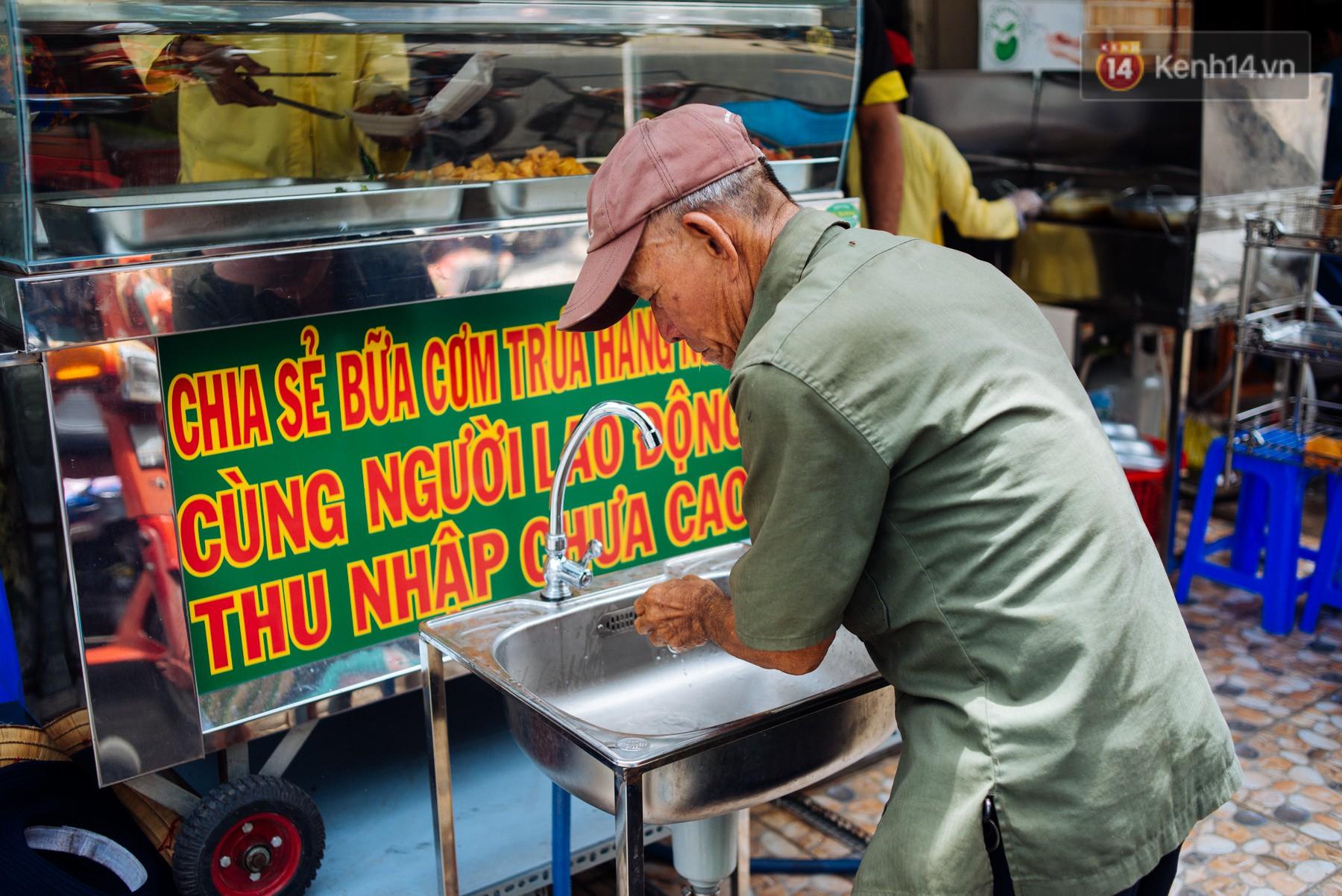 Giàu như anh bán chuối chiên Sài Gòn: Mở quán cơm 5k cho người thu nhập chưa cao, 5 năm đắt hàng - Ảnh 1.