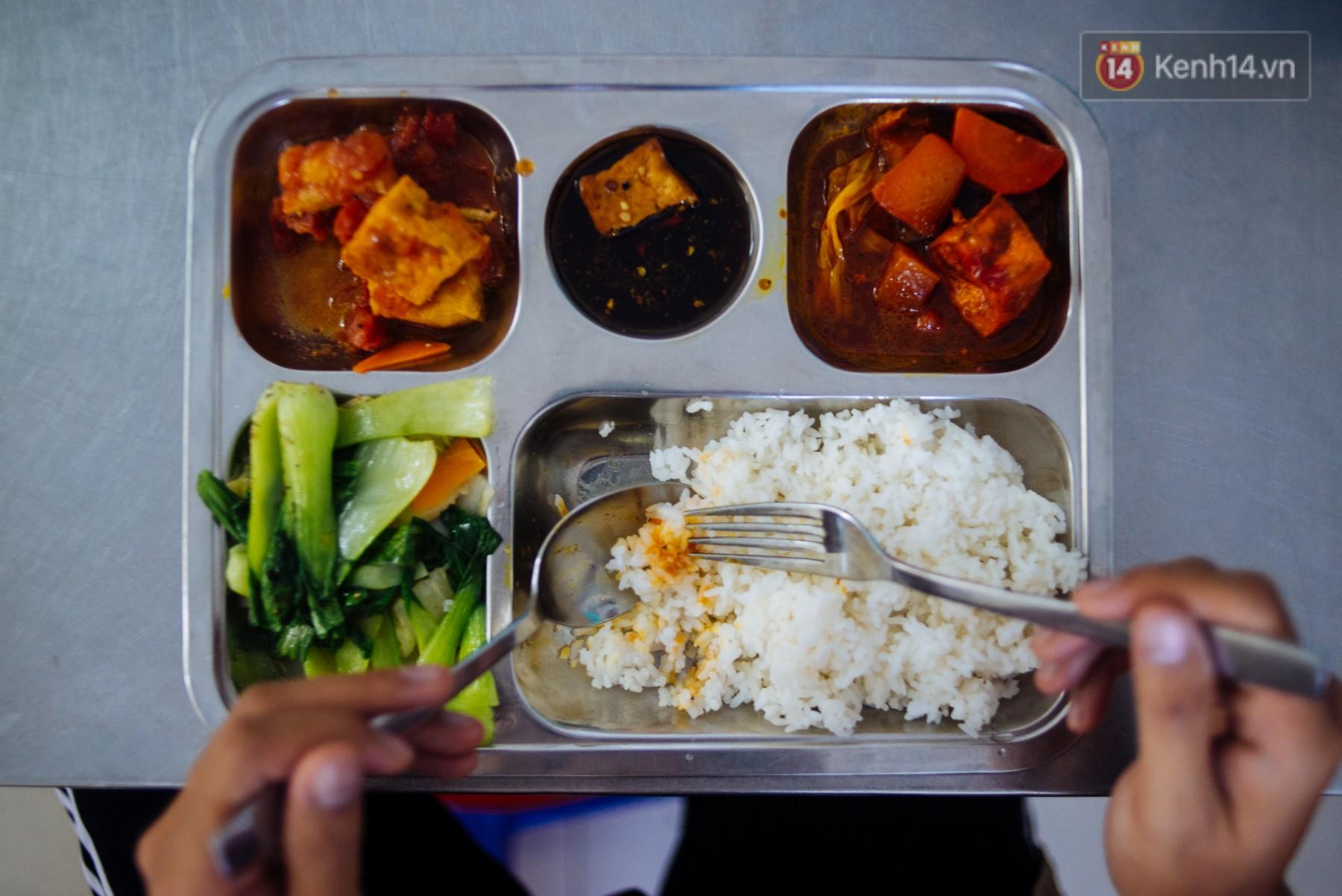 Giàu như anh bán chuối chiên Sài Gòn: Mở quán cơm 5k cho người thu nhập chưa cao, 5 năm đắt hàng - Ảnh 9.