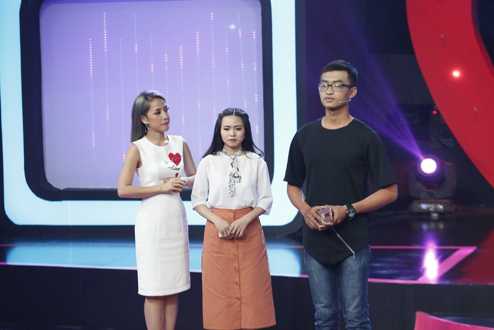 Tần số tình yêu: Việt Hương gây choáng khi thả thính bằng hình ảnh mắt lé chu môi - Ảnh 8.