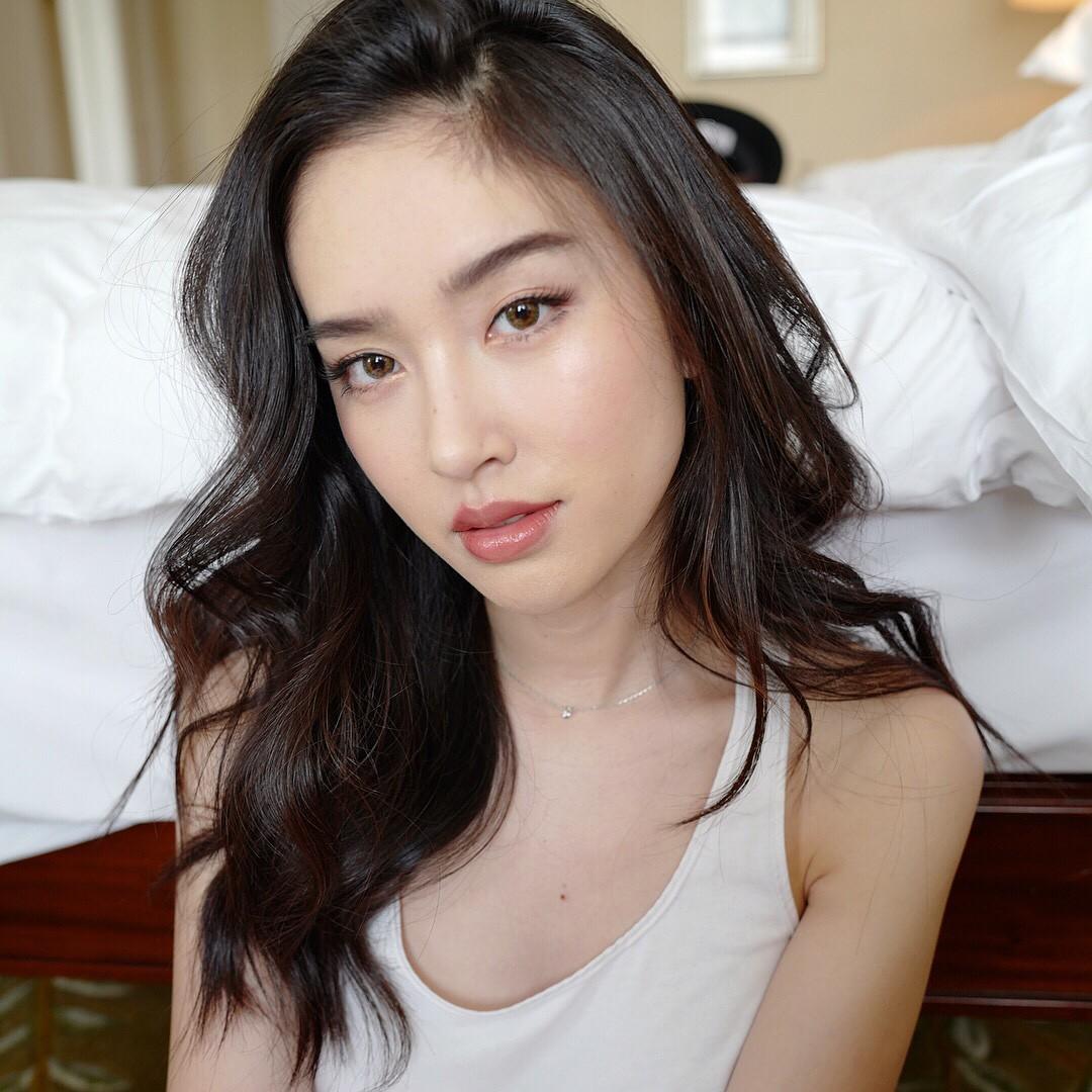 Tung loạt ảnh trước khi dự sự kiện ở Việt Nam, Nong Poy chứng minh đẳng cấp nhan sắc nữ hoàng chuyển giới Thái - Ảnh 4.