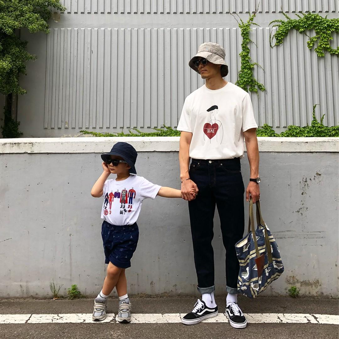 Có ai như bố con nhà này, diện đồ đôi vừa ngầu vừa dễ thương hết phần người khác - Ảnh 13.