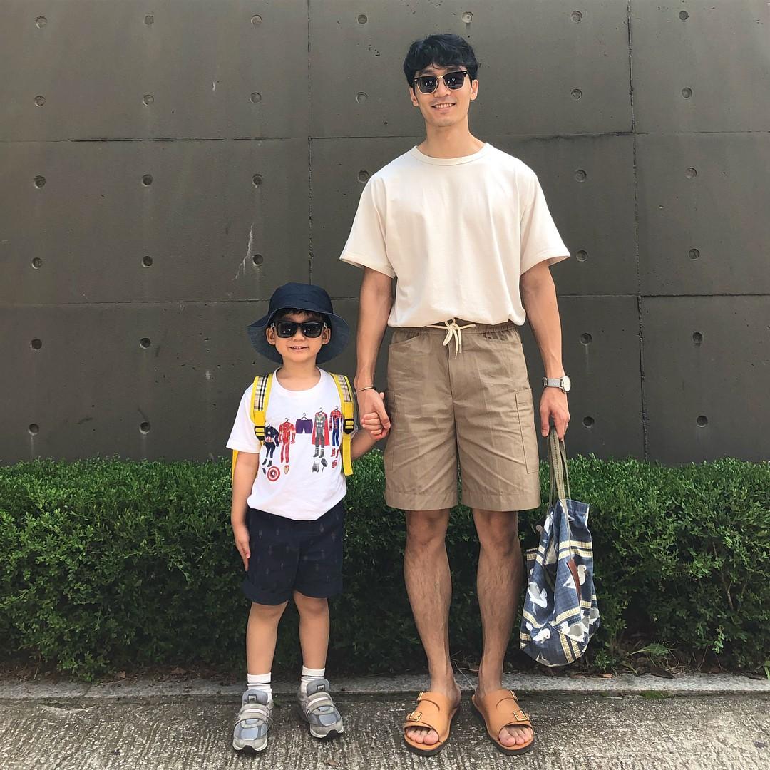 Có ai như bố con nhà này, diện đồ đôi vừa ngầu vừa dễ thương hết phần người khác - Ảnh 15.