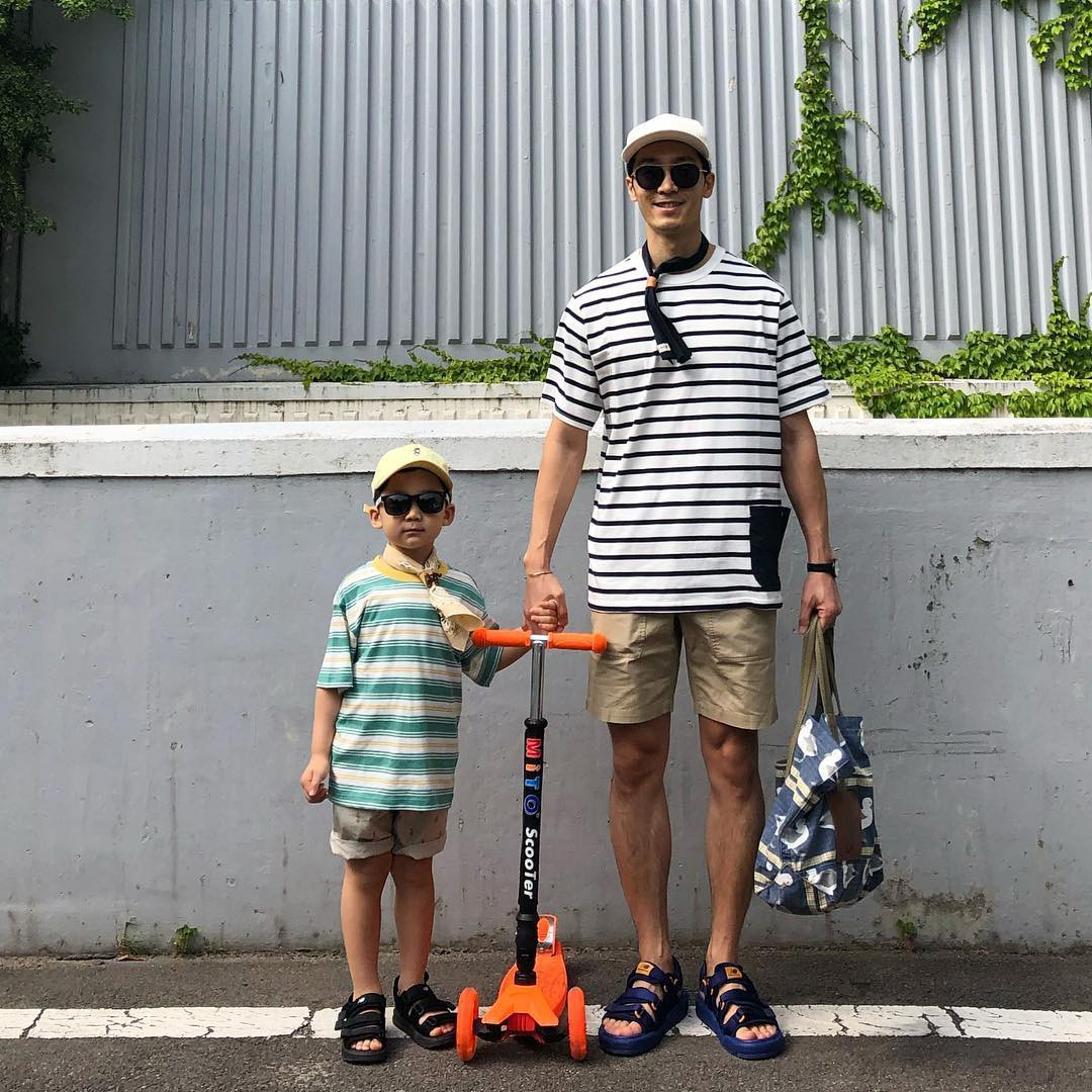 Có ai như bố con nhà này, diện đồ đôi vừa ngầu vừa dễ thương hết phần người khác - Ảnh 8.