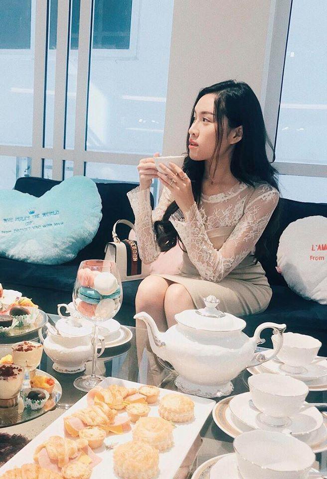Ngất ngây trước nhan sắc xinh đẹp của nữ MC 22 tuổi được mệnh danh nóng bỏng nhất nhà đài VTV - Ảnh 7.