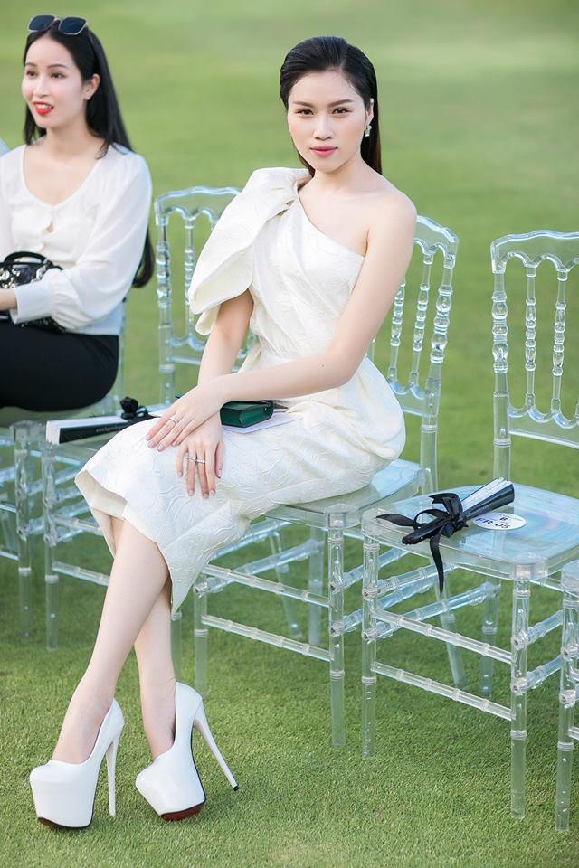 Ngất ngây trước nhan sắc xinh đẹp của nữ MC 22 tuổi được mệnh danh nóng bỏng nhất nhà đài VTV - Ảnh 14.