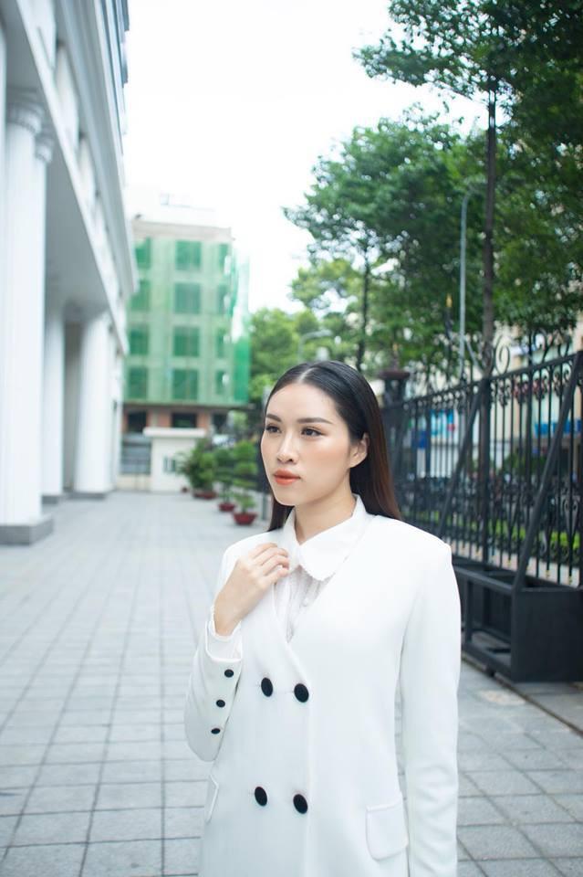 Ngất ngây trước nhan sắc xinh đẹp của nữ MC 22 tuổi được mệnh danh nóng bỏng nhất nhà đài VTV - Ảnh 8.