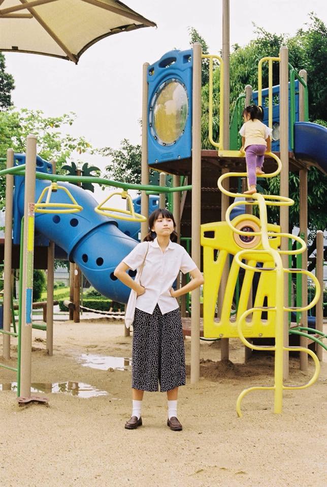 Cô bạn với nhan sắc đúng chuẩn cô gái nhà bên, chụp ảnh ở khu vui chơi thôi mà cũng xinh đáo để - Ảnh 6.
