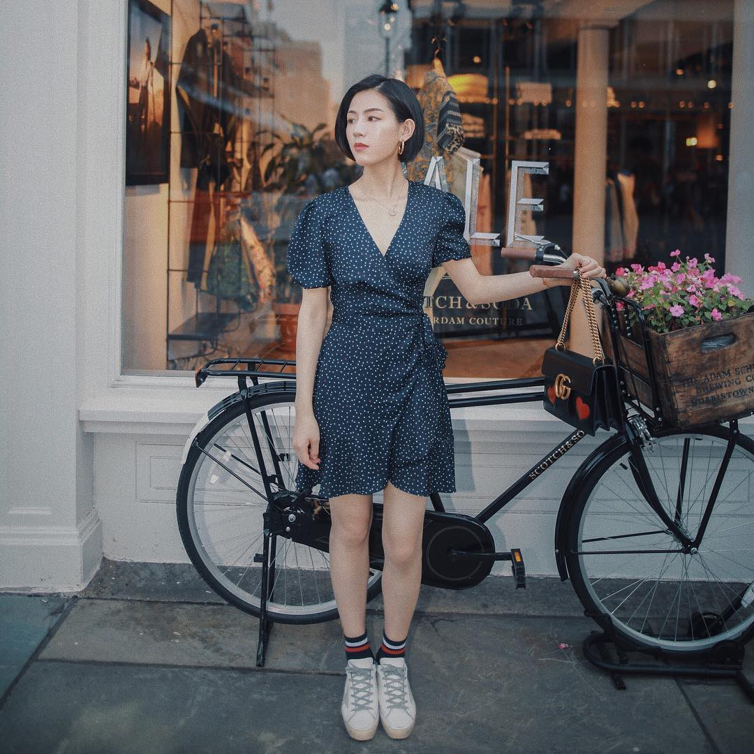 Mũ cói chống nắng được các quý cô Châu Á sử dụng làm phụ kiện sống ảo trong street style tuần này - Ảnh 2.
