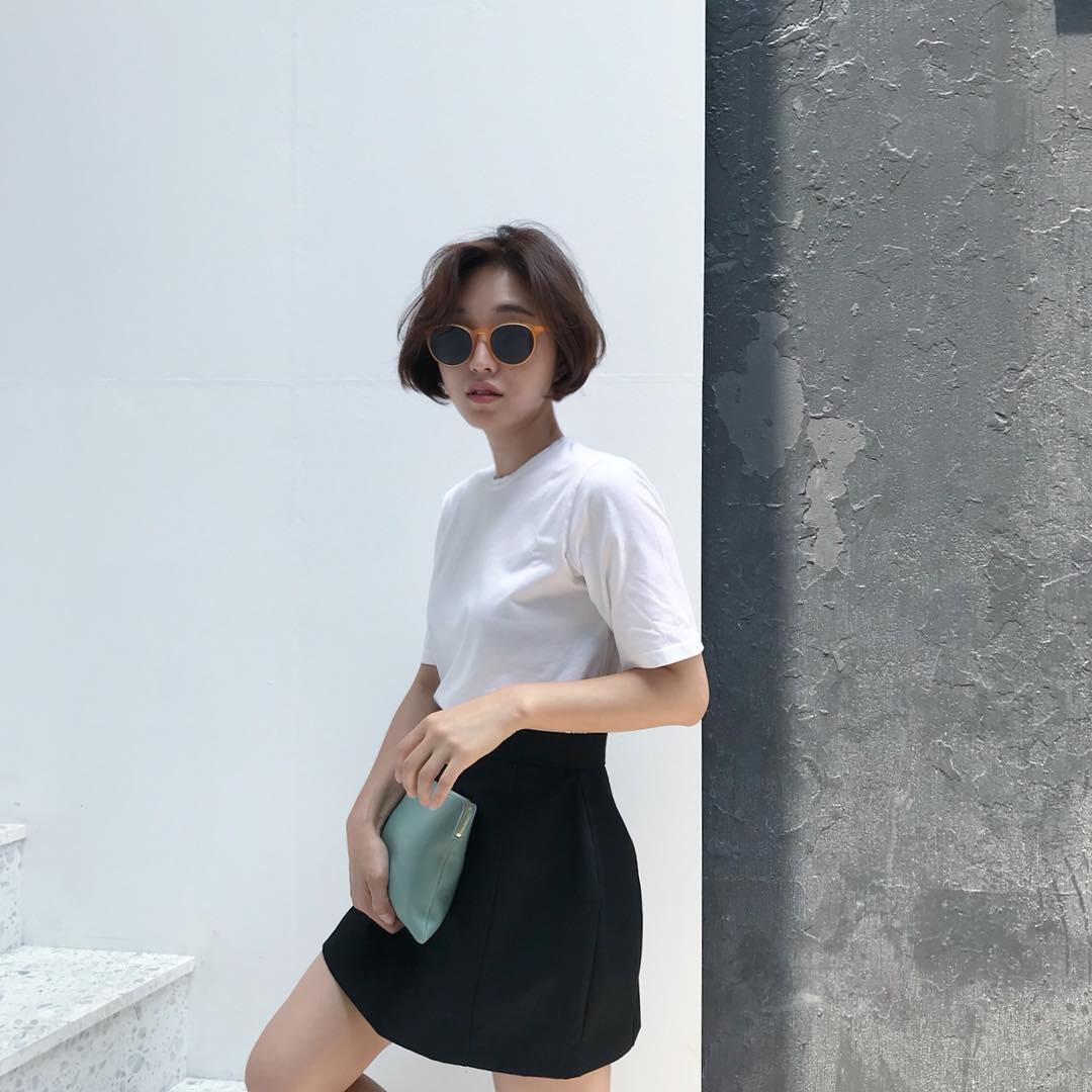 Mũ cói chống nắng được các quý cô Châu Á sử dụng làm phụ kiện sống ảo trong street style tuần này - Ảnh 11.