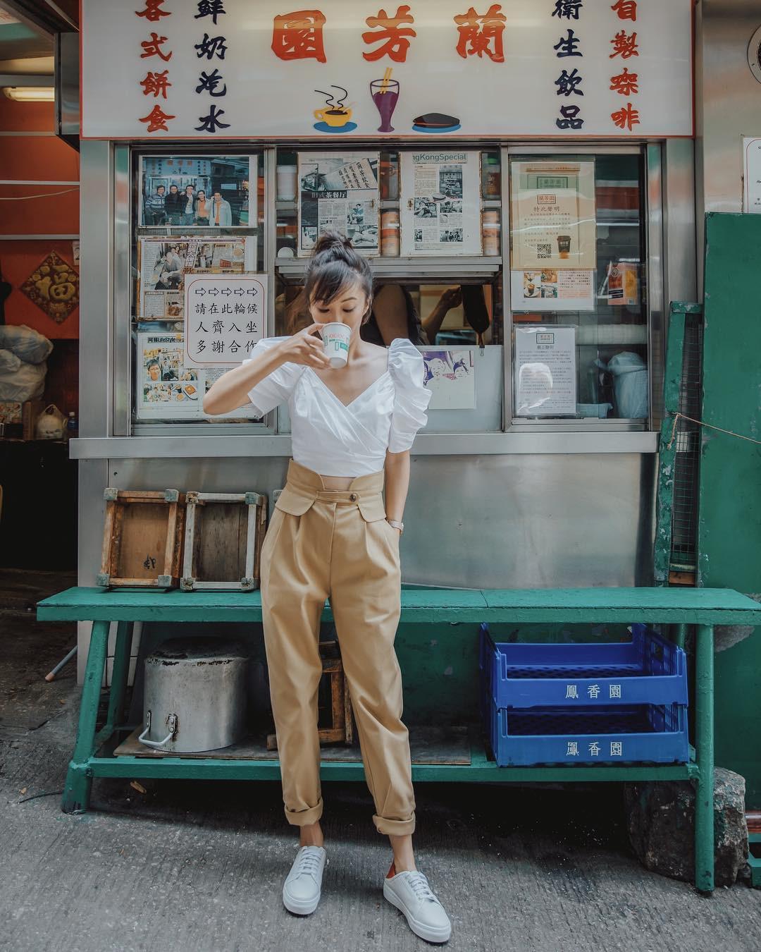 Mũ cói chống nắng được các quý cô Châu Á sử dụng làm phụ kiện sống ảo trong street style tuần này - Ảnh 9.