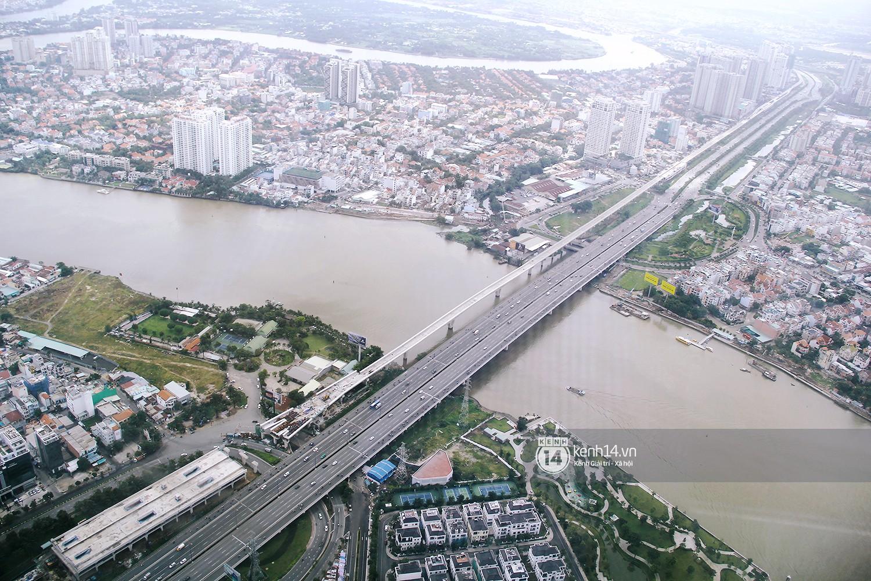 Chùm ảnh: Đứng ở tầng cao nhất Landmark 81, nhìn toàn cảnh Sài Gòn đẹp và bình yên đến thế! - Ảnh 6.