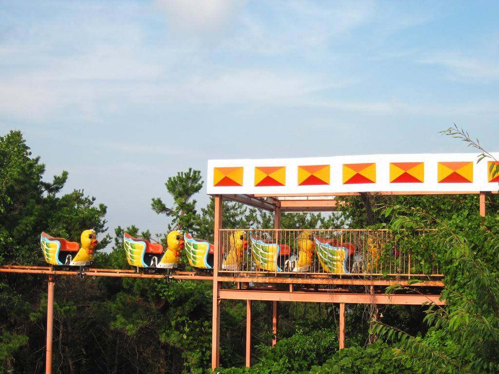 Công viên giải trí bỏ hoang ở Hàn Quốc: Đóng cửa sau 2 tai nạn chết người, hiện trường thảm khốc vẫn nguyên vẹn đến hôm nay - Ảnh 1.