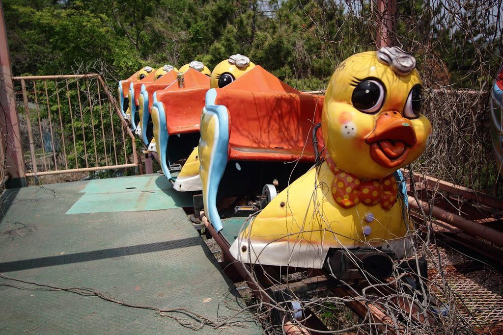 Công viên giải trí bỏ hoang ở Hàn Quốc: Đóng cửa sau 2 tai nạn chết người, hiện trường thảm khốc vẫn nguyên vẹn đến hôm nay - Ảnh 2.