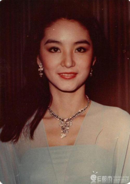 """""""Cả một trời thương nhớ"""" với loạt hình ảnh 15 mỹ nữ tiêu biểu của điện ảnh Hoa Ngữ thập niên 80-90 - Ảnh 8."""