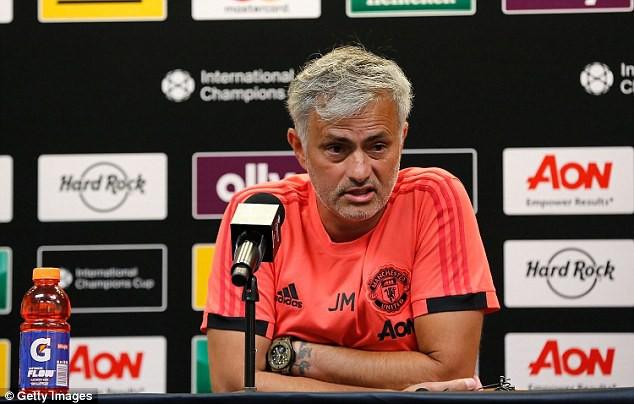Ác mộng du đấu của Man Utd: Mourinho có nguy cơ bị sa thải sớm - Ảnh 1.