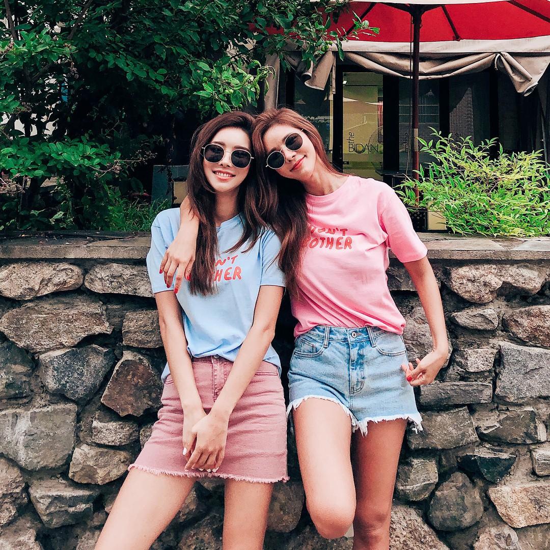 """Song Hye Kyo hay Kim Tae Hee cũng phải bái phục khả năng """"lão hóa ngược"""" ăn vận trẻ trung của mỹ nhân 42 tuổi này - Ảnh 11."""