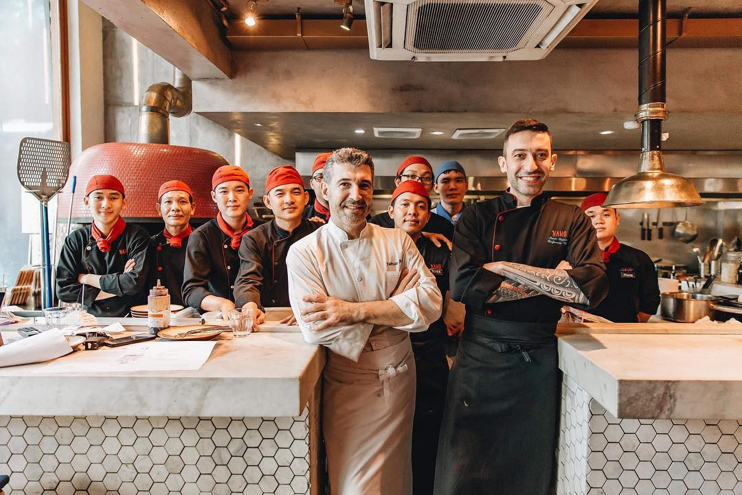 Đi một vòng từ Á sang Âu với 3 nhà hàng đang được giới trẻ Sài Gòn check-in nhiệt tình - Ảnh 12.