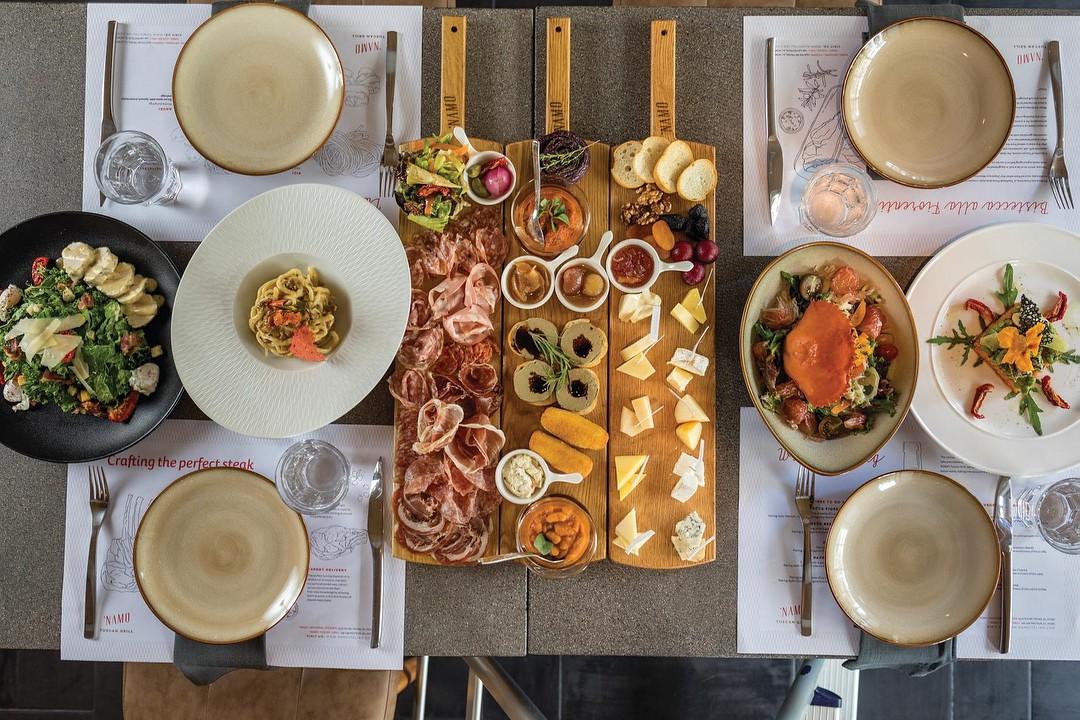 Đi một vòng từ Á sang Âu với 3 nhà hàng đang được giới trẻ Sài Gòn check-in nhiệt tình - Ảnh 10.