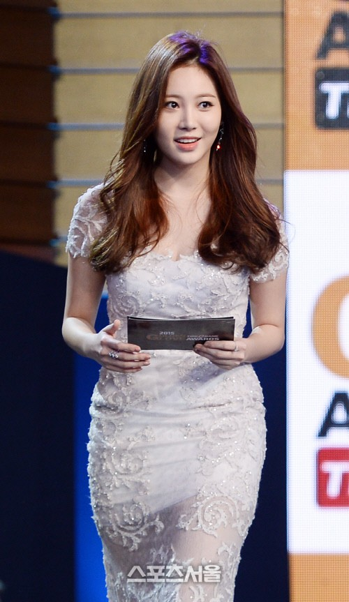Dở khóc dở cười tại Hoa hậu Hàn Quốc 2018: Mẹ Kim Tan và mỹ nhân Kpop quá đẹp, chiếm hết spotlight của Tân Hoa hậu - Ảnh 24.