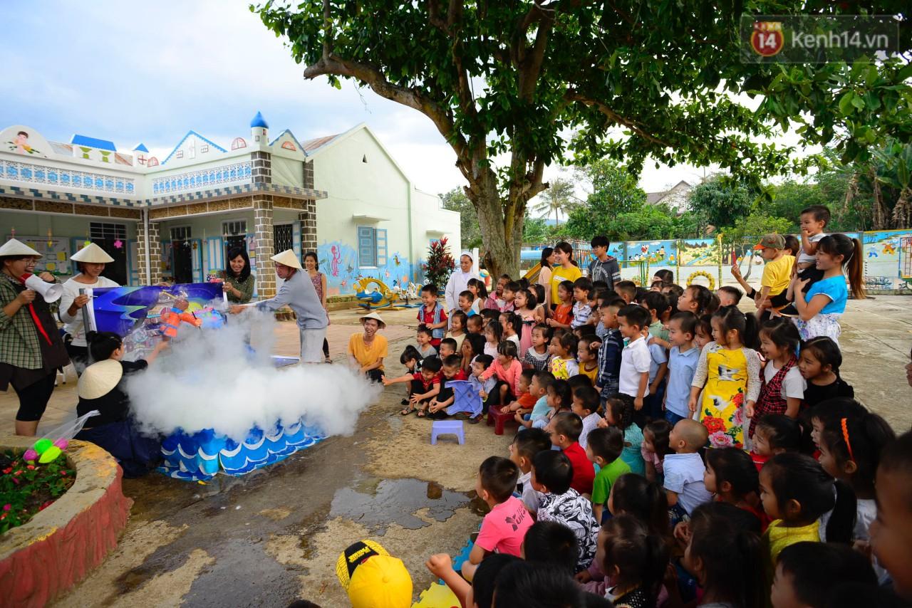 Thêm một hành trình tiếp nối yêu thương của Sunbox: Từ vỏ chai nhựa bỏ đi, các bạn đã dựng nên một rạp rối lưu động cho trẻ em miền cao - Ảnh 7.