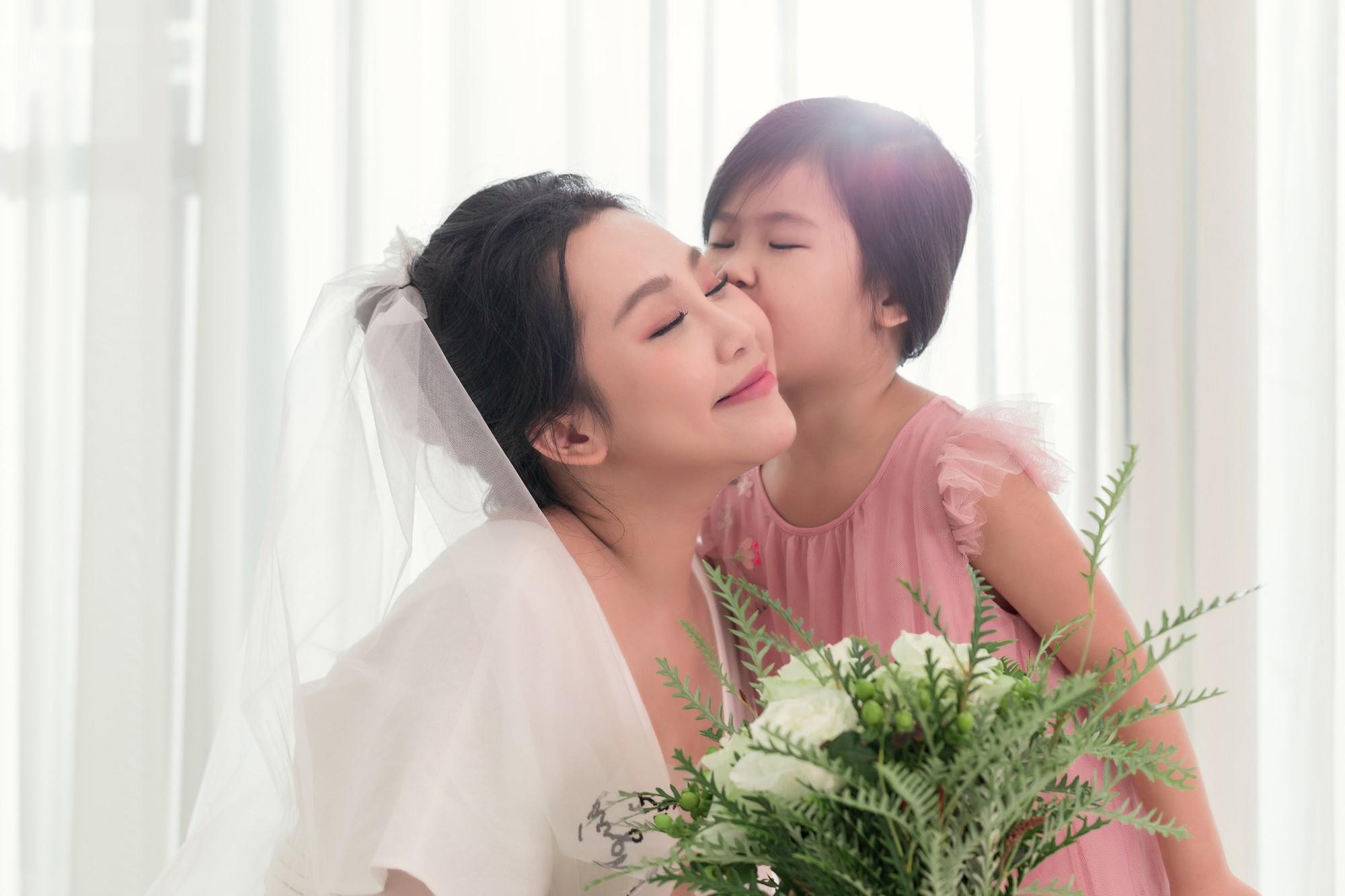 Gào khoe bộ ảnh cưới siêu hạnh phúc cùng chồng và 3 em bé - Ảnh 12.
