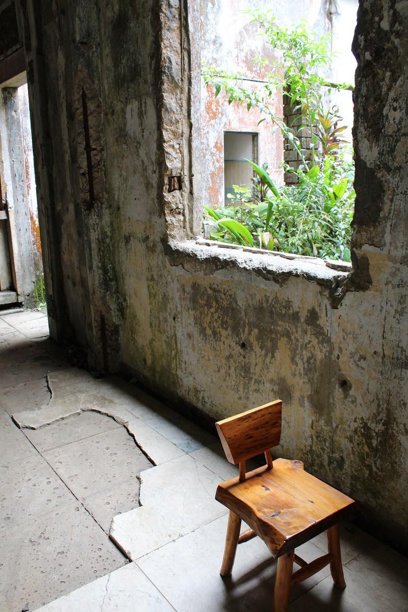 Vẻ ma mị của khách sạn trăm tuổi bị bỏ hoang ở Philippines ẩn chứa nhiều câu chuyện đen tối làm du khách tò mò - Ảnh 6.