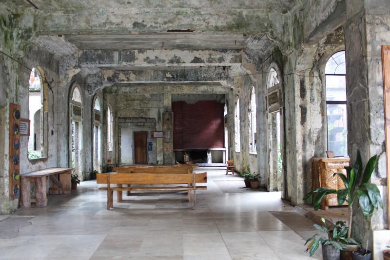 Vẻ ma mị của khách sạn trăm tuổi bị bỏ hoang ở Philippines ẩn chứa nhiều câu chuyện đen tối làm du khách tò mò - Ảnh 11.