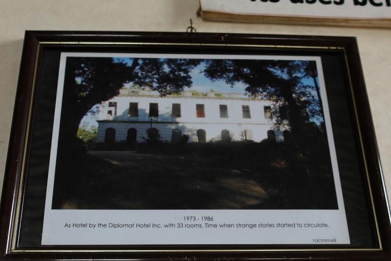 Vẻ ma mị của khách sạn trăm tuổi bị bỏ hoang ở Philippines ẩn chứa nhiều câu chuyện đen tối làm du khách tò mò - Ảnh 8.
