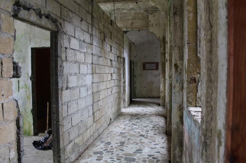 Vẻ ma mị của khách sạn trăm tuổi bị bỏ hoang ở Philippines ẩn chứa nhiều câu chuyện đen tối làm du khách tò mò - Ảnh 13.