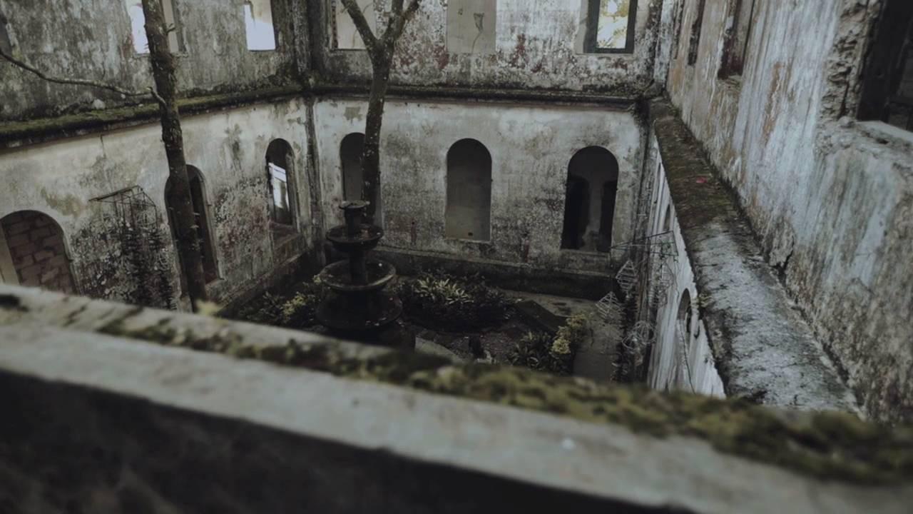 Vẻ ma mị của khách sạn trăm tuổi bị bỏ hoang ở Philippines ẩn chứa nhiều câu chuyện đen tối làm du khách tò mò - Ảnh 12.