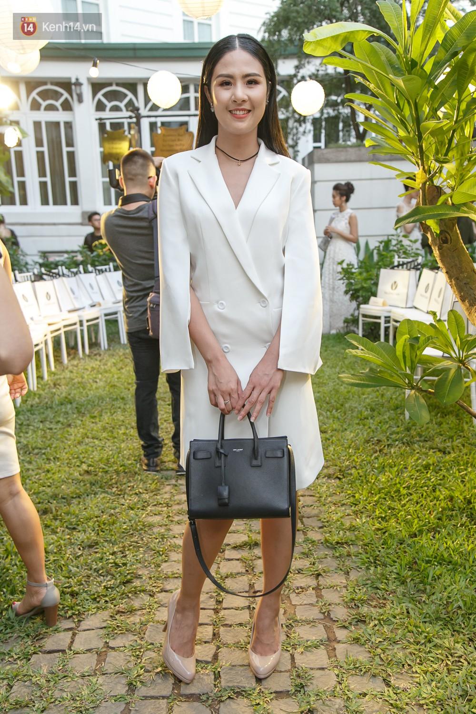 Hoa hậu Mỹ Linh mũm mĩm, Salim biến hình không thể nhận ra trên thảm đỏ của NTK Adrian Anh Tuấn - Ảnh 5.