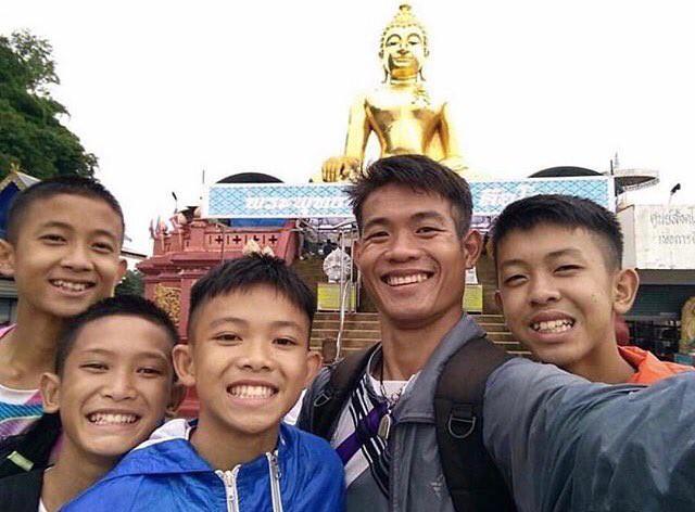 Đội bóng Thái Lan vẫn chưa đủ sức khỏe để lặn ra ngoài, có thể sẽ phải ở trong hang thêm 4 tháng - Ảnh 1.