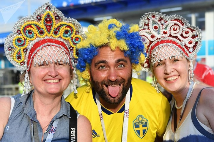 Ảnh: Những chiếc mũ Kokoshnik Nga tô điểm khán đài mùa World Cup - Ảnh 14.