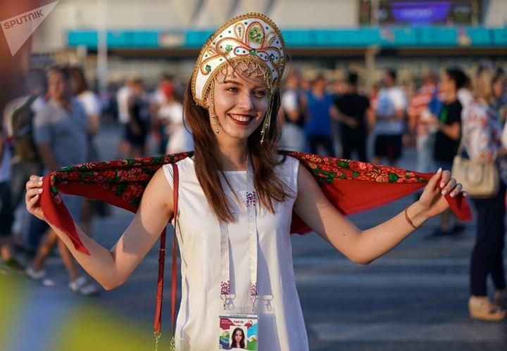 Ảnh: Những chiếc mũ Kokoshnik Nga tô điểm khán đài mùa World Cup - Ảnh 17.