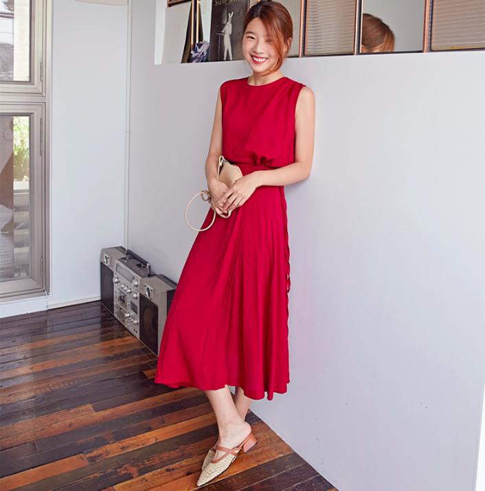 Chân váy dài có kén dáng thế nào thì chỉ cần diện cùng 5 mẫu giày/dép này là đẹp mĩ mãn - Ảnh 20.