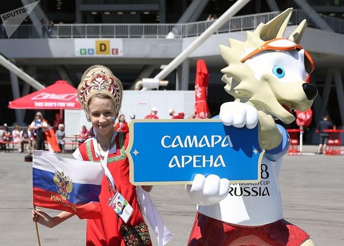 Ảnh: Những chiếc mũ Kokoshnik Nga tô điểm khán đài mùa World Cup - Ảnh 9.
