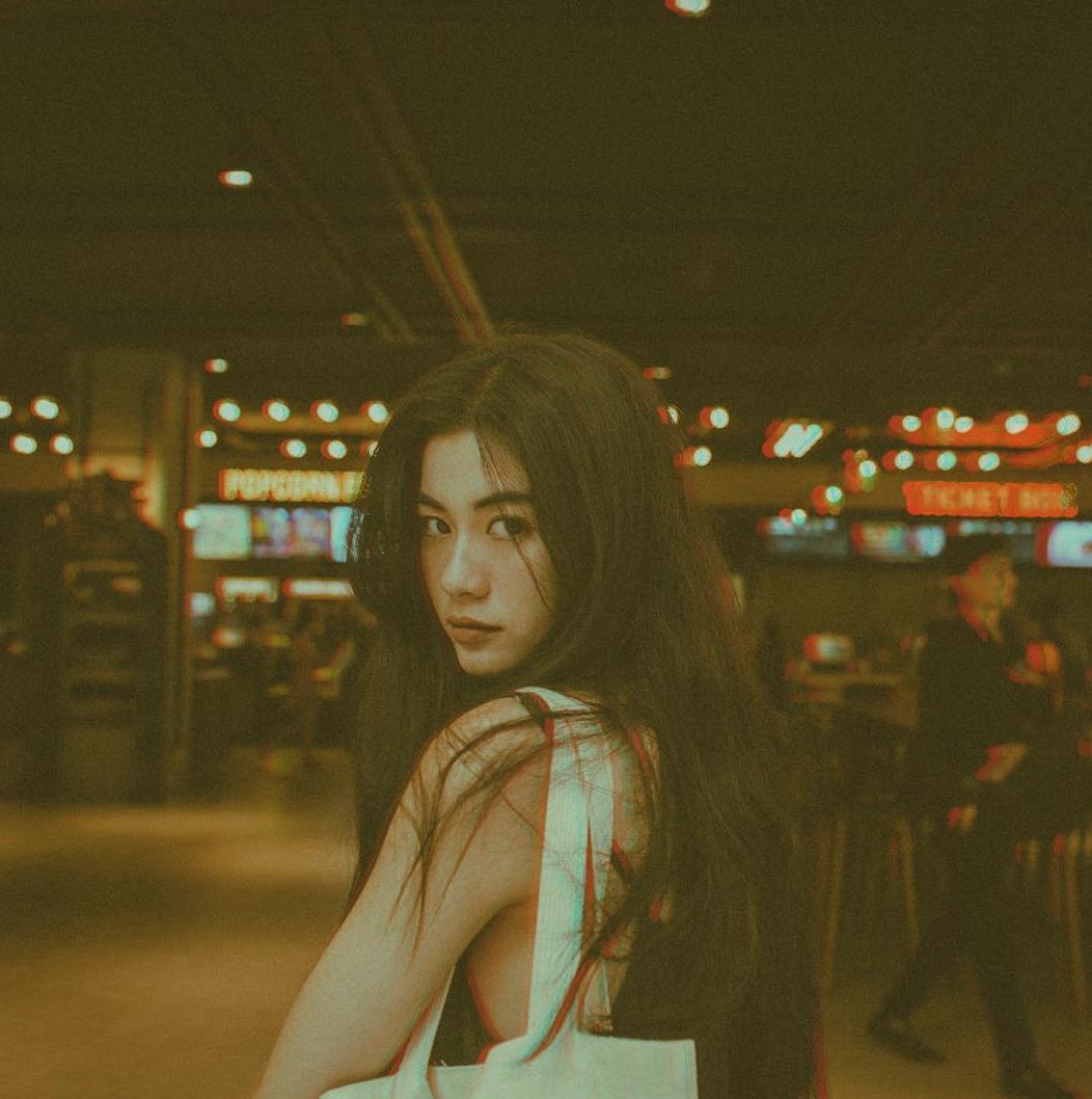 Vi Nguyễn - nàng thơ lookbook mới của Instagram với thần thái miễn chê - Ảnh 2.