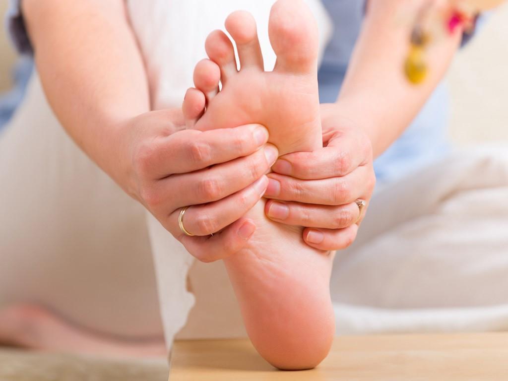 6 triệu chứng cảnh báo sức khỏe đang có vấn đề mà bạn lại thường không mấy chú ý tới - Ảnh 1.