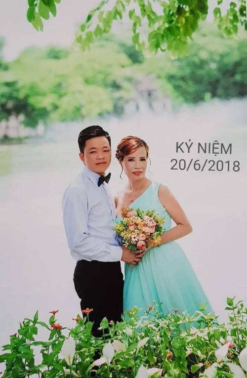 Cô dâu 61 tuổi lấy chồng 26 tuổi ở Cao Bằng: Vợ chồng mất ngủ cả đêm vì bị xúc phạm - Ảnh 2.