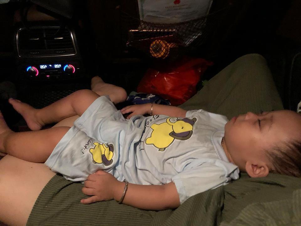 Sau hơn 1 năm theo mẹ đi khắp nơi trên xe đẩy, con trai hot girl Bella đã tách mẹ, đang được Hằng Túi chăm sóc - Ảnh 11.