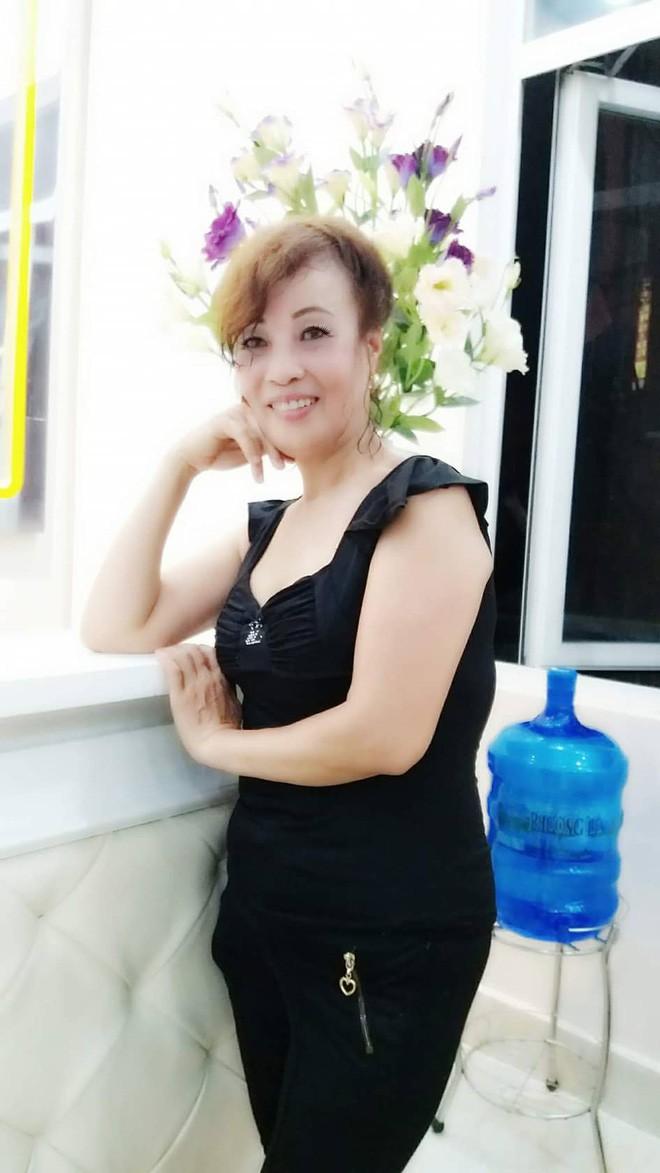Cô dâu 61 tuổi lấy chồng 26 tuổi ở Cao Bằng: Vợ chồng mất ngủ cả đêm vì bị xúc phạm - Ảnh 5.