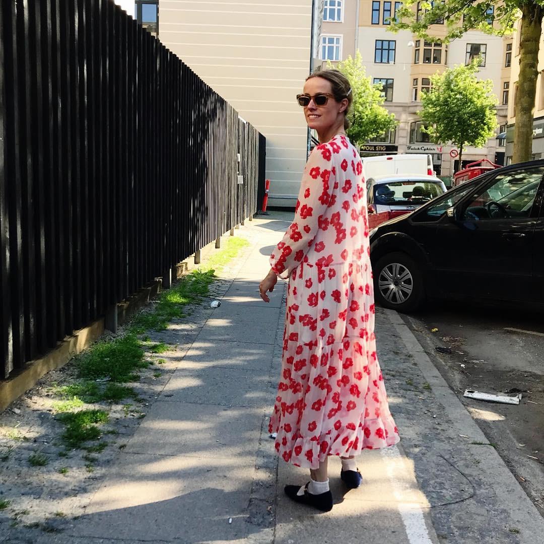 Bộ váy hoa giá cả chục triệu mà đụng hàng xuyên lục địa hết Pháp đến Ý rồi lại Tây Ban Nha - Ảnh 5.