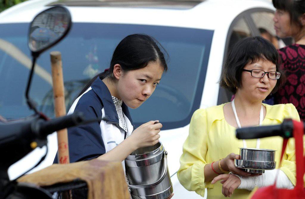 Chuyện thi đại học kinh khủng ở các nước châu Á: Nữ sinh phải uống thuốc hoãn ngày đèn đỏ để ôn thi - Ảnh 5.