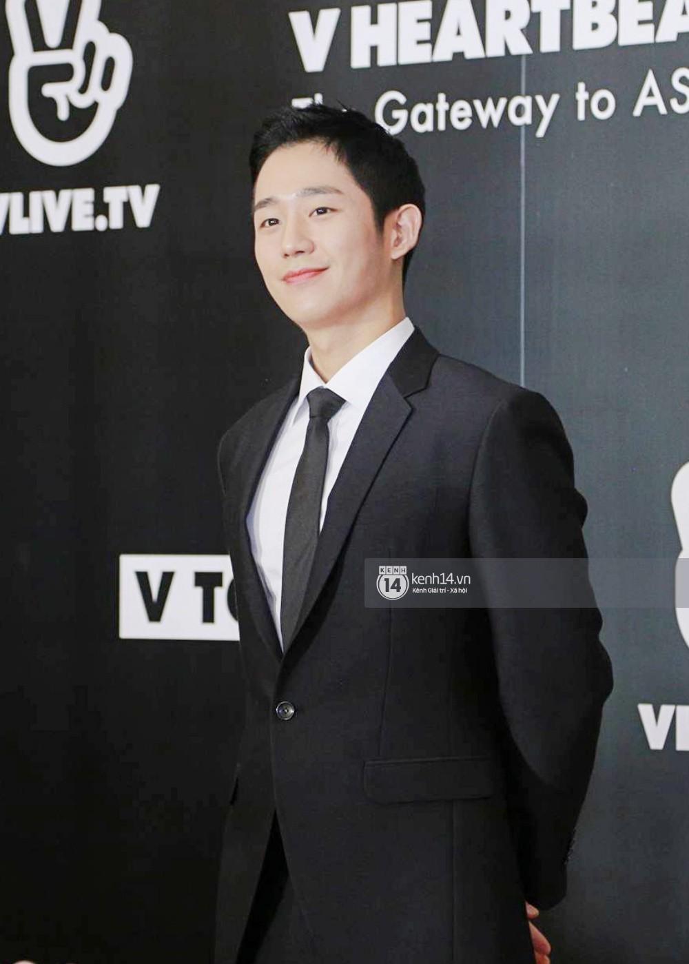 Thảm đỏ đêm nhạc Hàn-Việt: Jung Hae In, WINNER đẹp trai cực phẩm, Chi Pu và Hòa Minzy đọ sắc cùng loạt sao Việt - Ảnh 6.